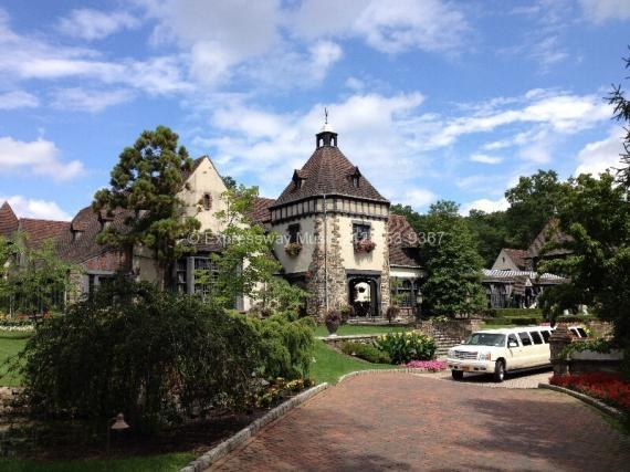 Front view of Pleasantdale Chateau with Limo