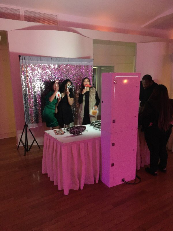 Wedding at Battery Gardens with Photo Booth