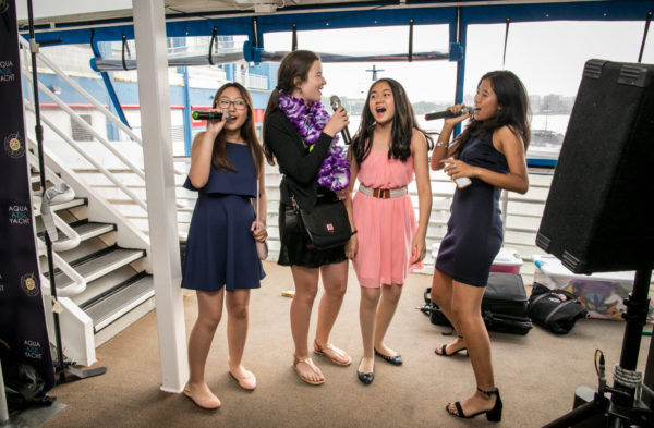 Karaoke Yacht Girls