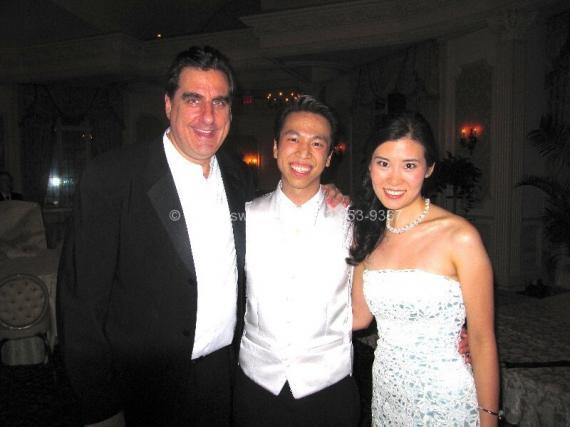 DJ Dave Swirsky with Bride & Groom
