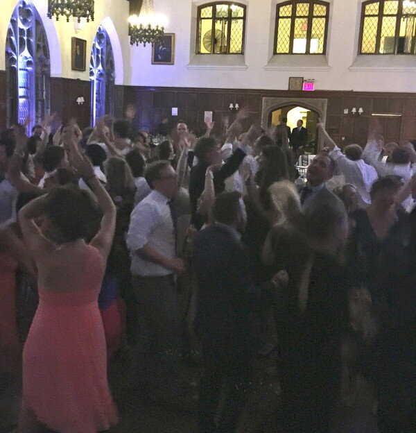 Dancing to dj