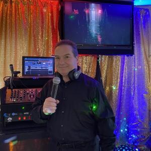 Upstate New York DJ and MC for Sweet 16s Weddings Mitzvahs School Events