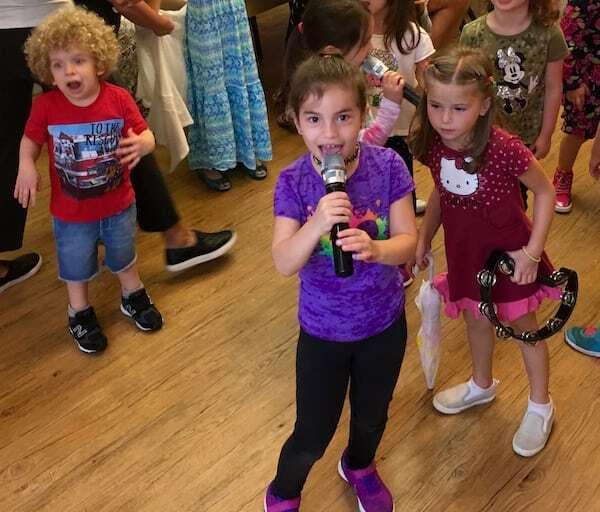 kids sing at karaoke birthday party in NYC